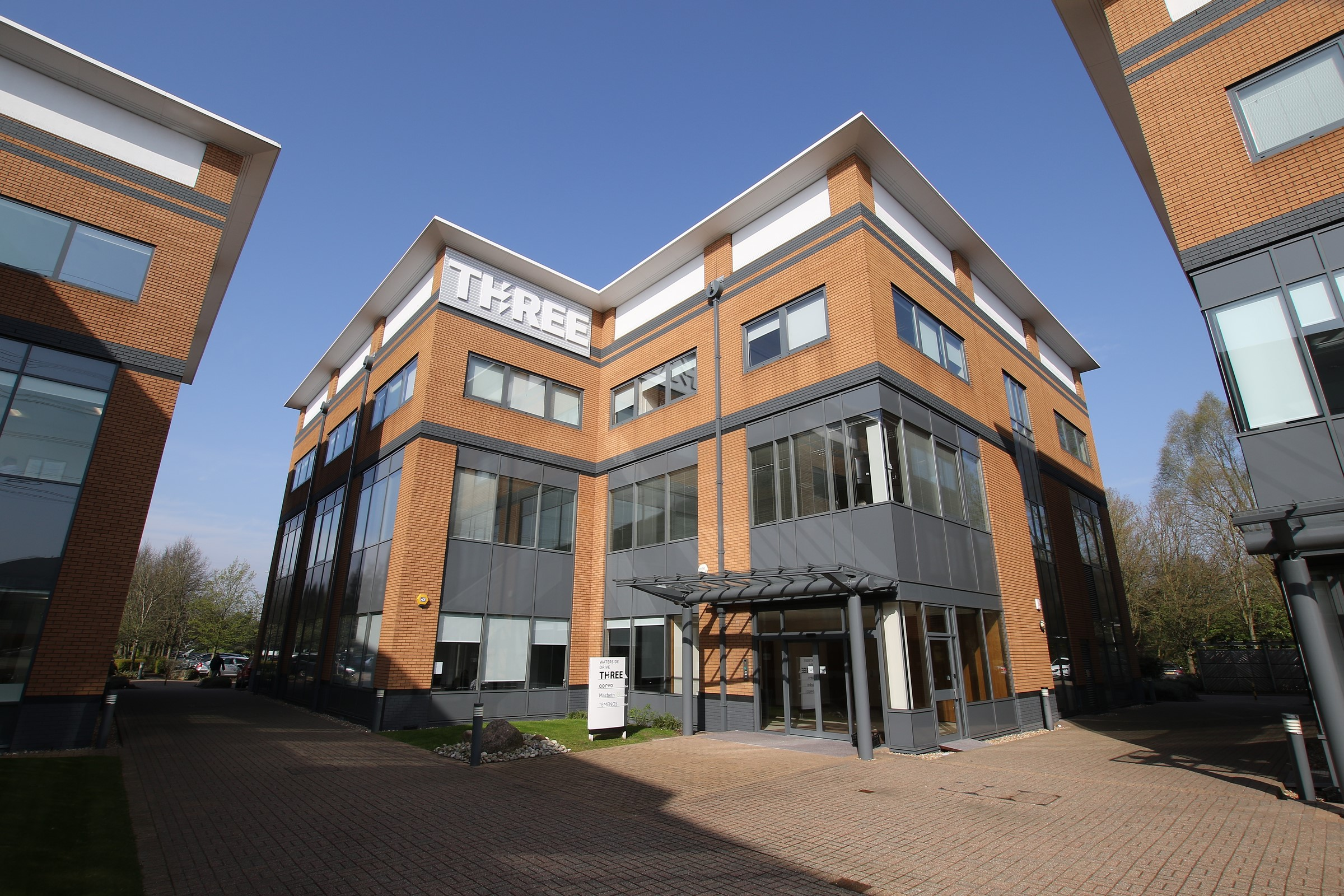 Last remaining unit at Three Waterside Drive Theale